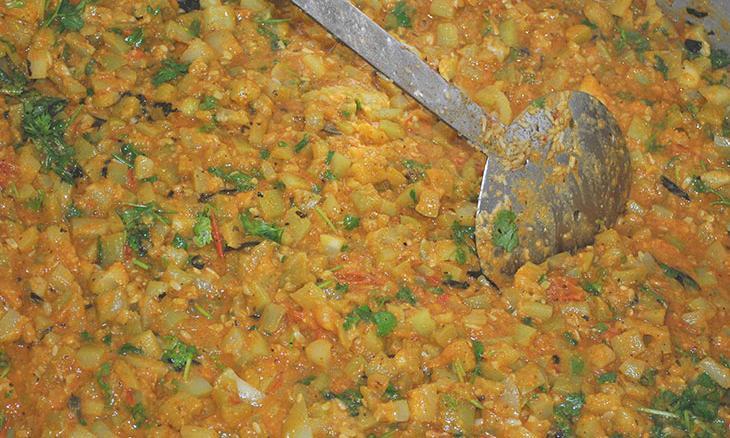 Midday Meals at Isha Vidhya
